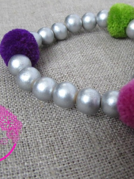 bracelet_petite fille_may_bohème_perles_bois_argent_pompon