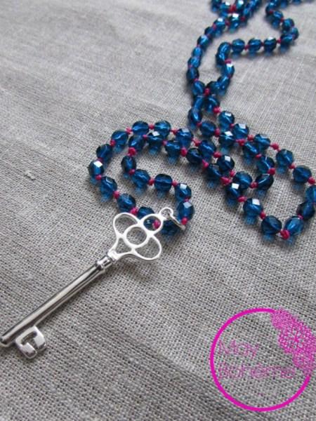 """SAUTOIR """"La clé"""" MAY MINIMALISTE - Clé  Argent - perles bleues"""