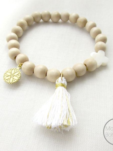 bracelet_Naturel_natural_perles_bois_clair_pompon_doré_blanc_nacre_pampille_may_boheme