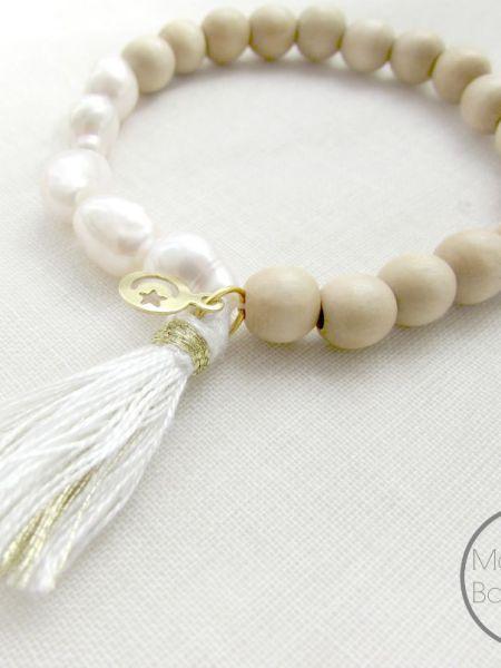 bracelet_naturel_natural_perles_bois_clair_perles_d'eau_douce_mayboheme_chic_pampille_croissant_lune_étoile