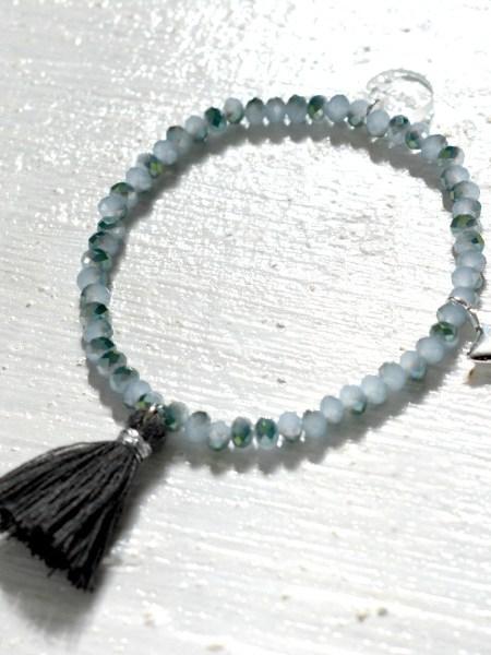 bracelet_perles_tchéque_facettées_bleu_gris_moirée_pompon_gris_etoile_argent_may_boheme