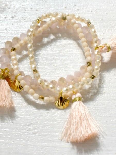 bracelet_trio_nude_nacre_tchéque_perle_pampille_plaqué_or_24_carats_pompon_soyeux_pompon_nude_quartz