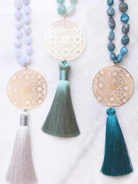 """Sautoir Oni  """"MAY MOUCHARABIEH"""" - Perles pierres fines irrégulières pendentif pompon"""