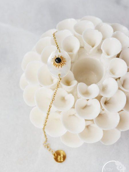 """Bracelet Sunny """"BOHEMIAN MOOD"""" - Médaille nacre soleil noir doré acier inoxydable"""
