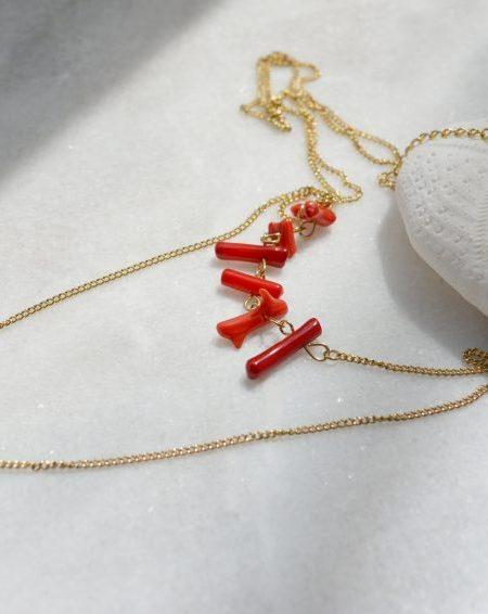 """Collier Samary  """"ROOTS"""" - Collier double chaîne perles de corail et pastilles Acier inoxydable"""