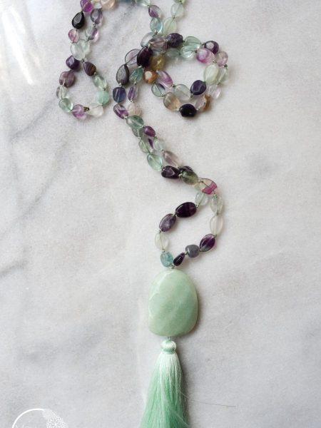"SAUTOIR GLORIA ""BOHEMIENNE CHIC"" - Sautoir en perles de fluorite , pendentif amazonite pompon soyeux"