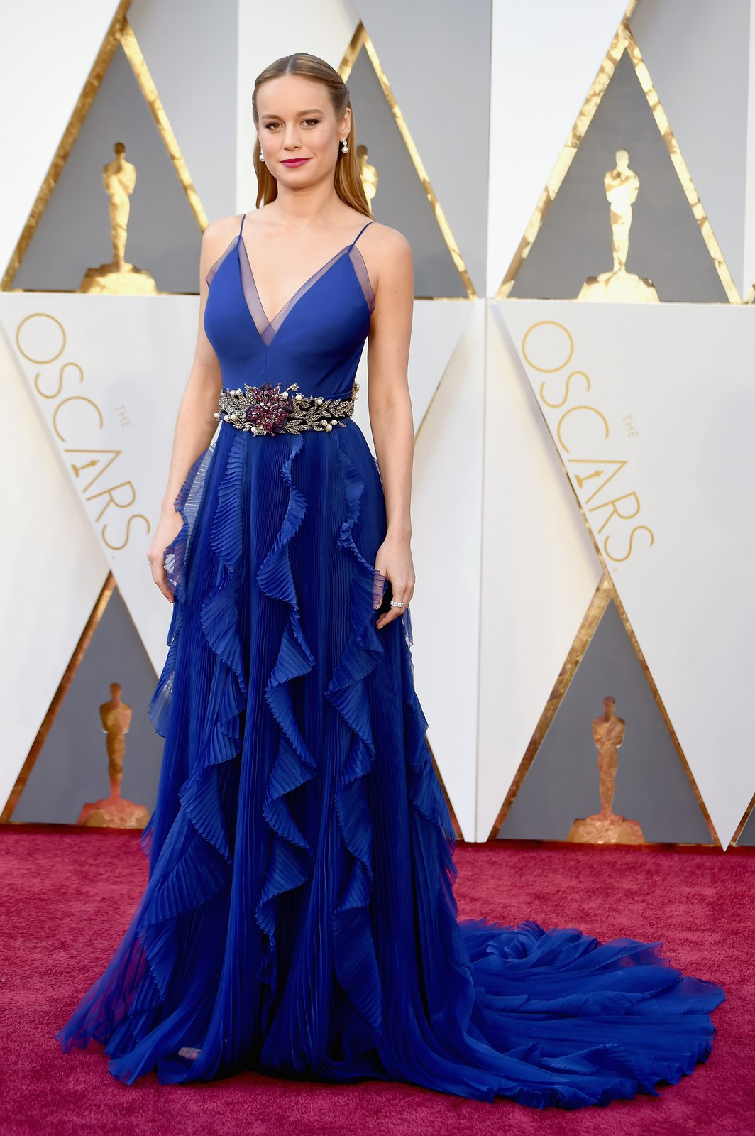 brie-larson-oscars-red-carpet-2016.jpg