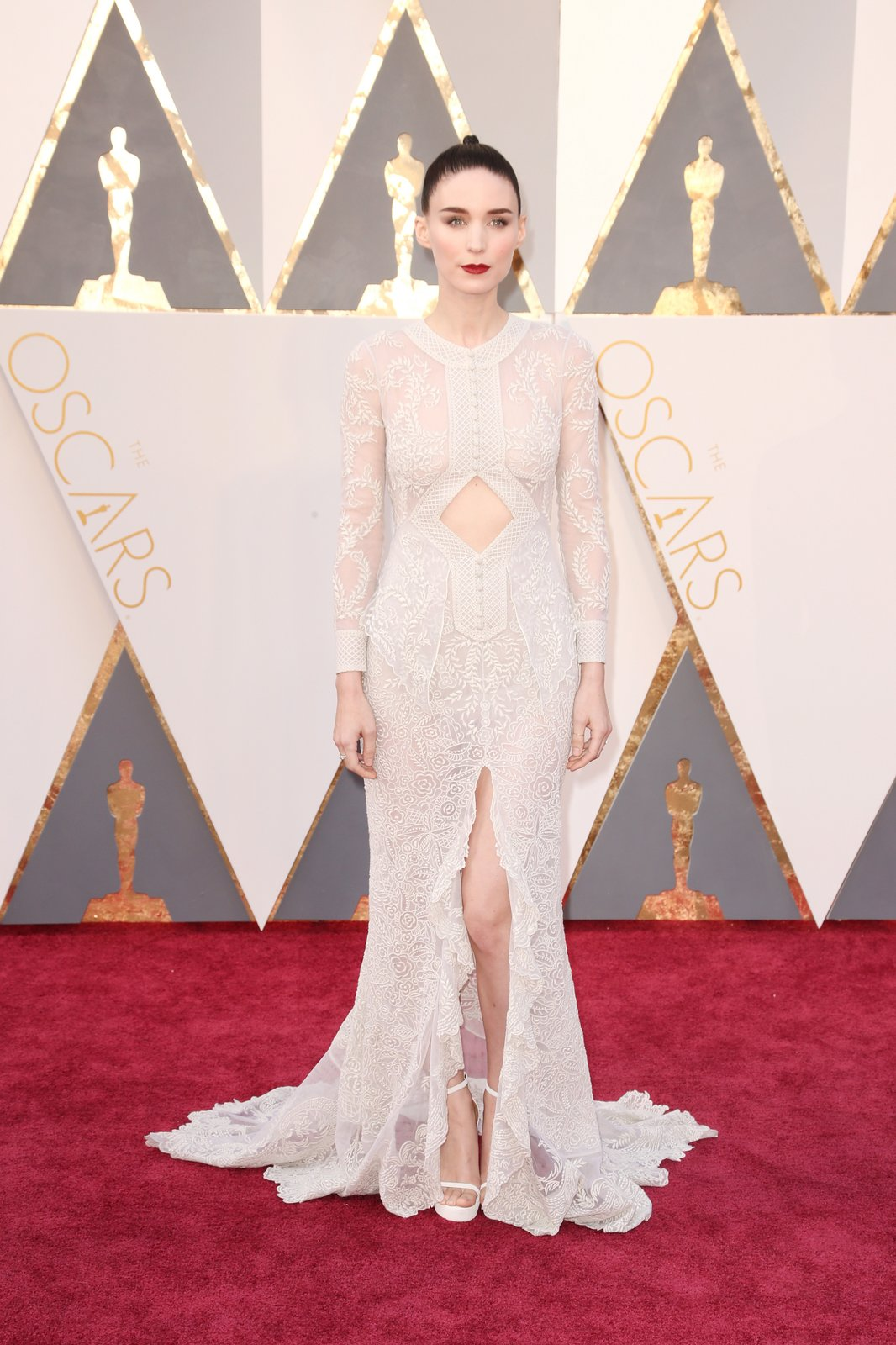 rooney-mara-oscars-red-carpet-2016.jpg