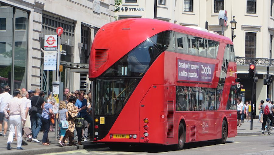 new_routemaster_strand_900