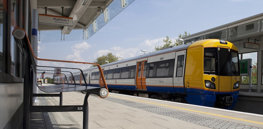 london_overground_station_900