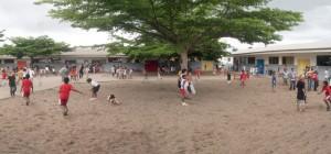 Une cour d'école au Gabon © http://ecolemixte-pog.eklablog.com
