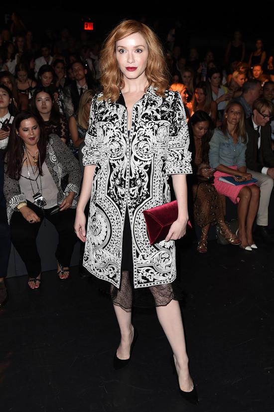 christina-hendricks-naeem-khan-fashion-show-spring-2017-nyfw-new-york-fashion-tom-lorenzo-site-4