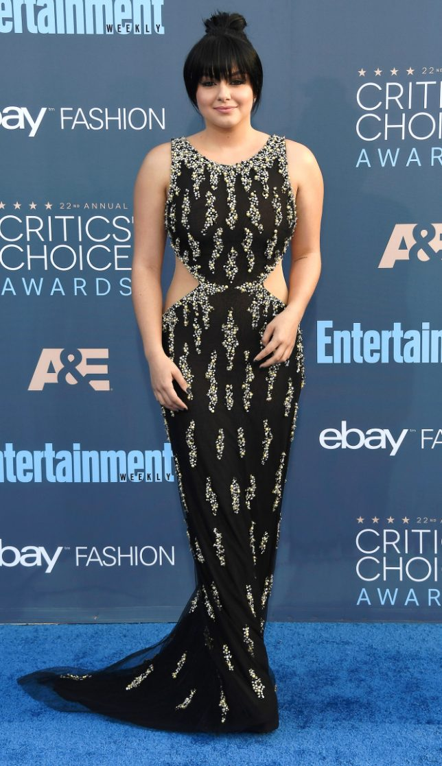 SANTA MONICA, CA - DECEMBER 11: Actress Ariel Winter attends The 22nd Annual Critics' Choice Awards at Barker Hangar on December 11, 2016 in Santa Monica, California. (Photo by Frazer Harrison/Getty Images)