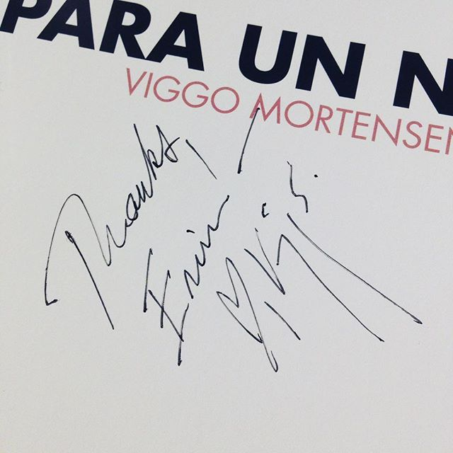 """Whoever warned """"Don't meet your heroes"""" clearly picked the wrong idol. Viggo Mortensen was an absolute delight in person; gracious, giving, and charming. (Can you tell I'm still swooning?) #viggomortensen #books #greenbook #movies"""