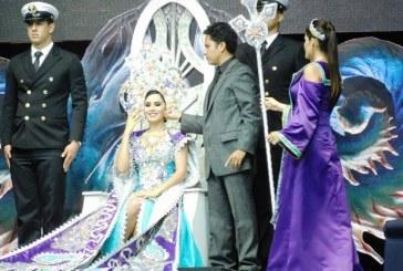 Blanca Herrera es Coronada como Reina de los Juegos Florales del Carnaval de Mazatlán 2016