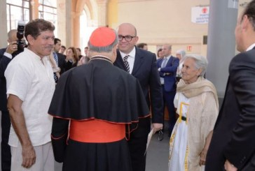 <center>Dos Artesanos Sinaloenses en el Vaticano</center>