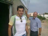 ο Σταύρος Χατζησάββας στη Νεκρή ζώνη στο οδόφραγμα Αγίου Δομετίου μαζί με Μάριο Ματσάκη