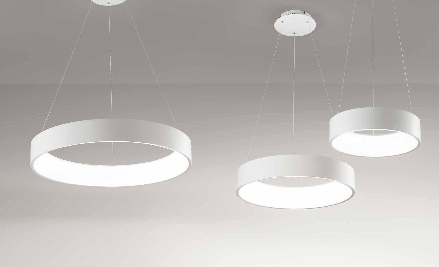 Una varietà di colori metallici trasformerà lampadari obsoleti in Lampadari Moderni Le Nuove Tendenze Del 2018