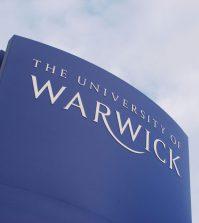 Schild der Warwick University