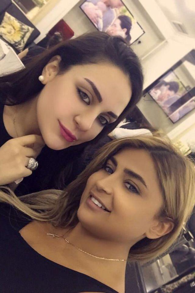 عبير حوراني في يمين الصورة وابنة هيفاء وهبي في اليسار