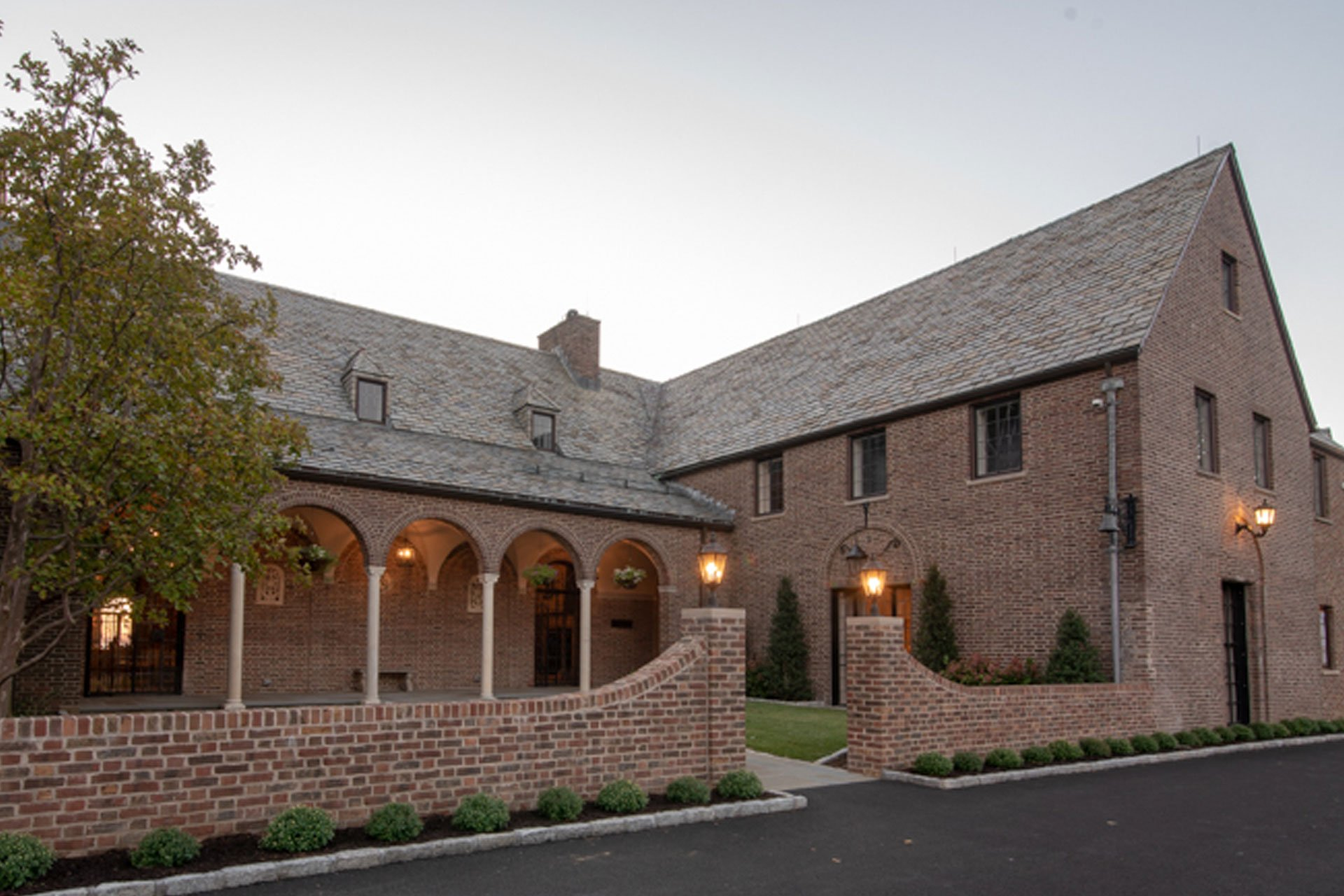 murphy-brothers-contracting-commercial-ardsley-country-club-exterior-entrance