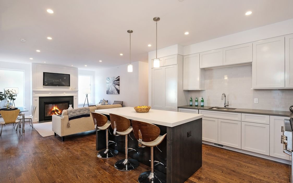 murphy-brothers-contracting-commercial-marina-court-open-concept