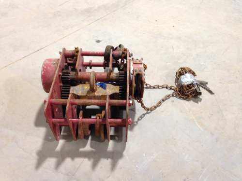 small resolution of chester zephyr 1 1 2 ton manual chain hoist