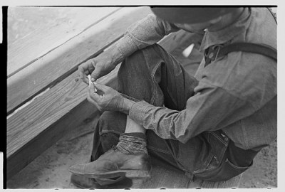 rolling-a-cigarette-irwinville-farms-georgia-may-1938-john-vachon-library-of-congress-great-depression-folklife-documentary-people-southern-rural-copyright-brian-brown-vanishing-media-ll