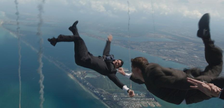 iron-man-3-sky-dive