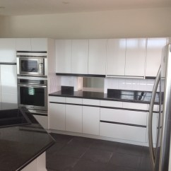 Kitchen Facelift Window Treatments Ideas Calgary Before And After Mbl Construction This Project Allowed Our Clients To Refresh Their At A Cost Less Than Whole New They Were Then Able Put The Necessary Resources Into