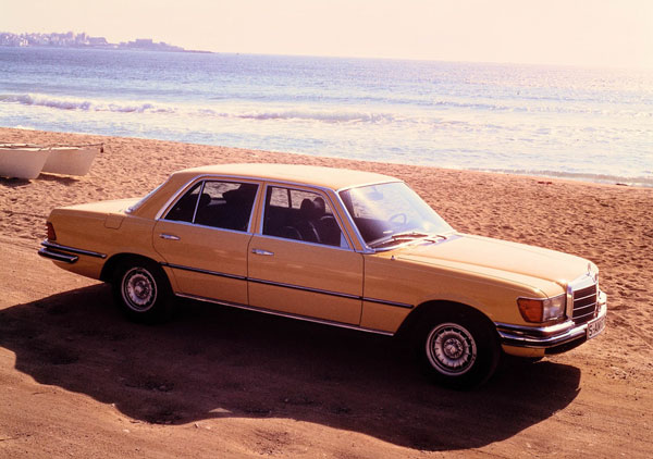 Mercedes-Benz-450_SEL_6.9_1.jpg