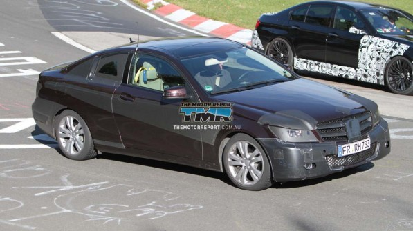 2012 mercedes benz c class coupe 22 4caa545553c96 1280x1024 597x335  Spy Photo: 2012 Mercedes Benz C Class At The Ring