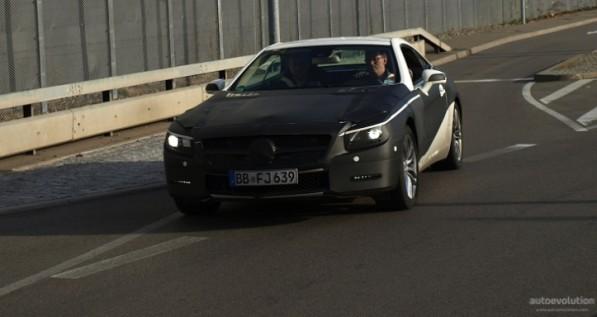 The 2013 Mercedes SL in White Camo 597x317 The 2013 Mercedes SL in White Camo