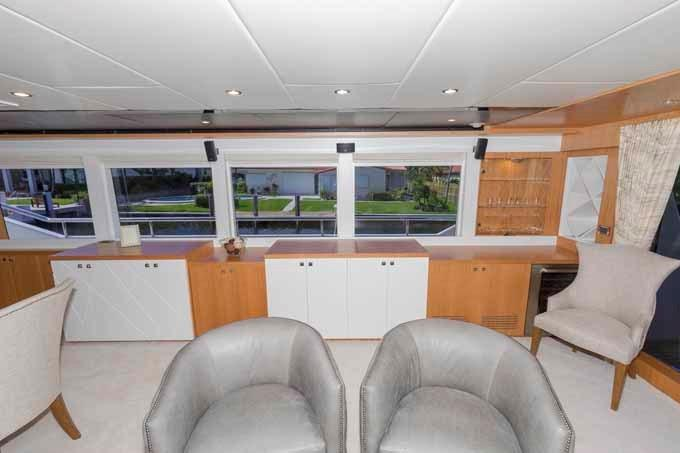 sofa rph dfs shannon corner reviews 2017 johnson w on deck master 93 boats for sale mca yachts salon looking to starboard