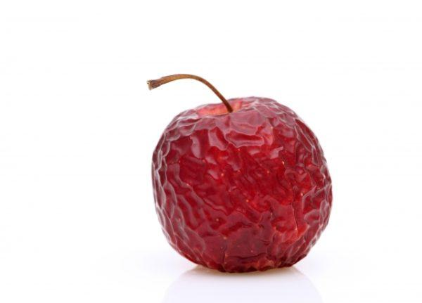 シワだらけのりんご