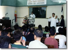 Students attendin church