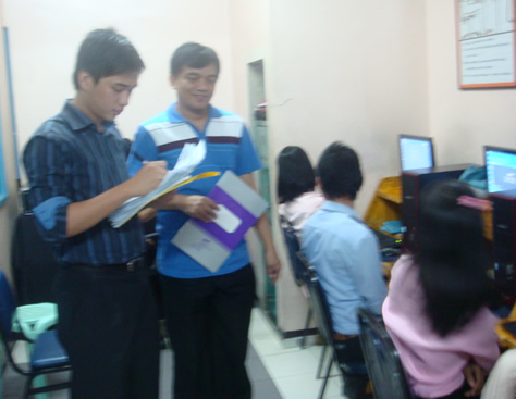 Mr. Saflor screened the typing speed of deaf applicants at MCCID before the final scheduled interview.