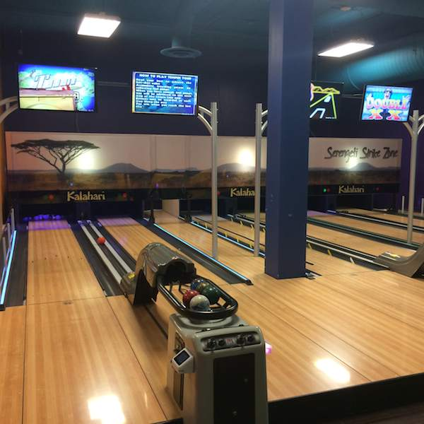 Kalahari Resort Pocono bowling alley