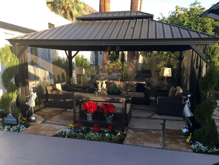 Palm Springs California luxury: poolside cabana