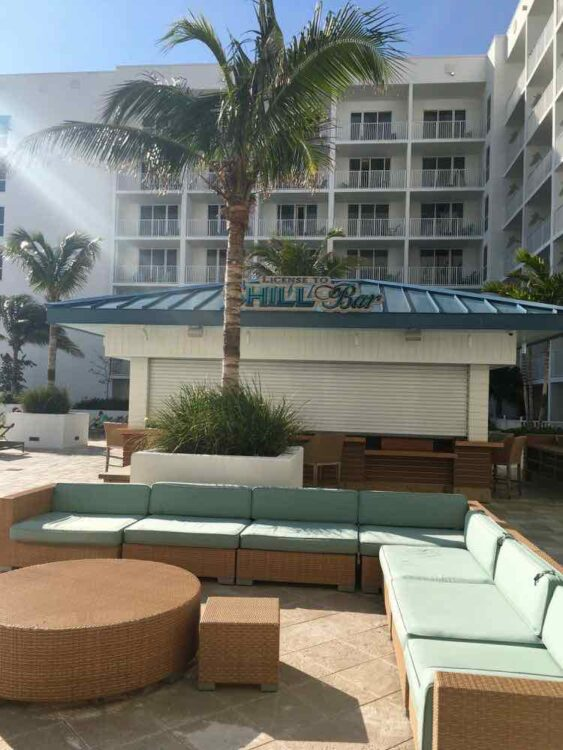 Margaritaville Beach Resort: License to Chill bar