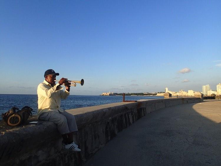 Walking Malecon: 8 Great Things To Do in Havana Cuba