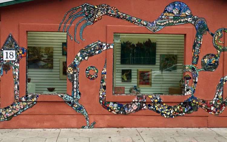 check out the artsy buildings in Fernandina Beach