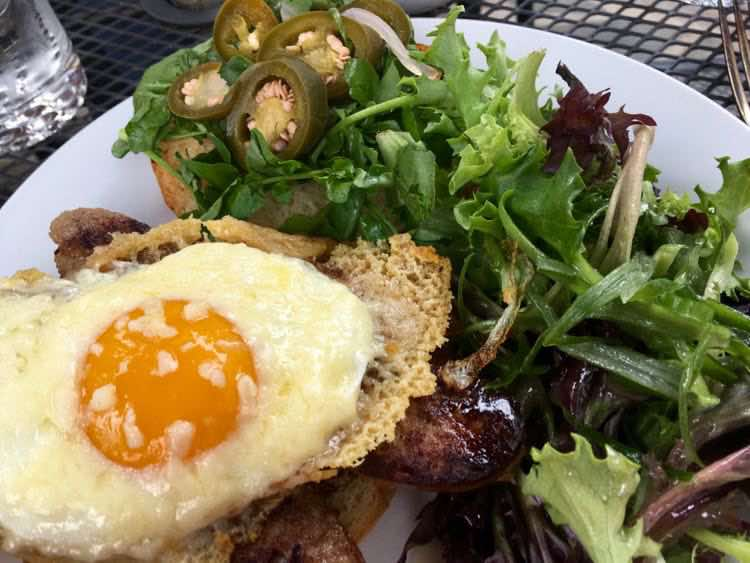 Breakfast at Oakhurst Inn makes our list of casual places to eat in Charlottesville Virginia