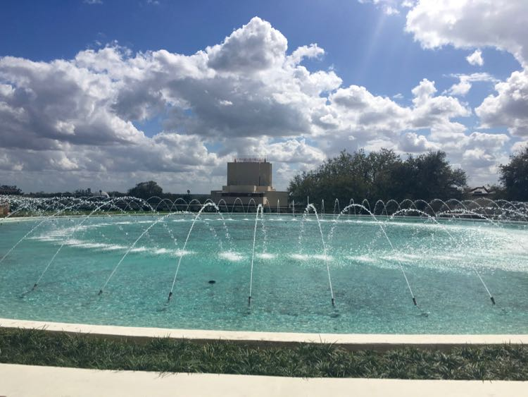 things to do in Central Florida: Frank Lloyd Wright architecture at Florida Southern College. Article and photo by Charles McCool for McCool Travel.