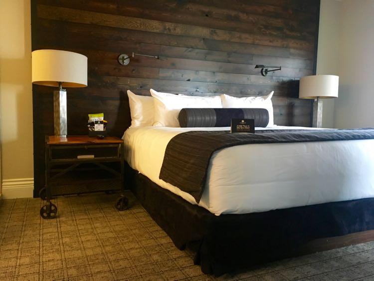 Ironworks Hotel Beloit bedroom