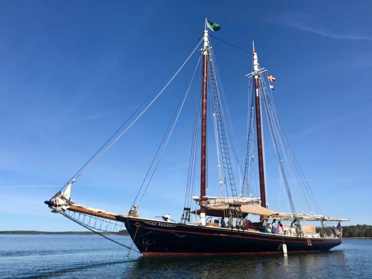 Windjammer Schooner J&E Riggin at anchor