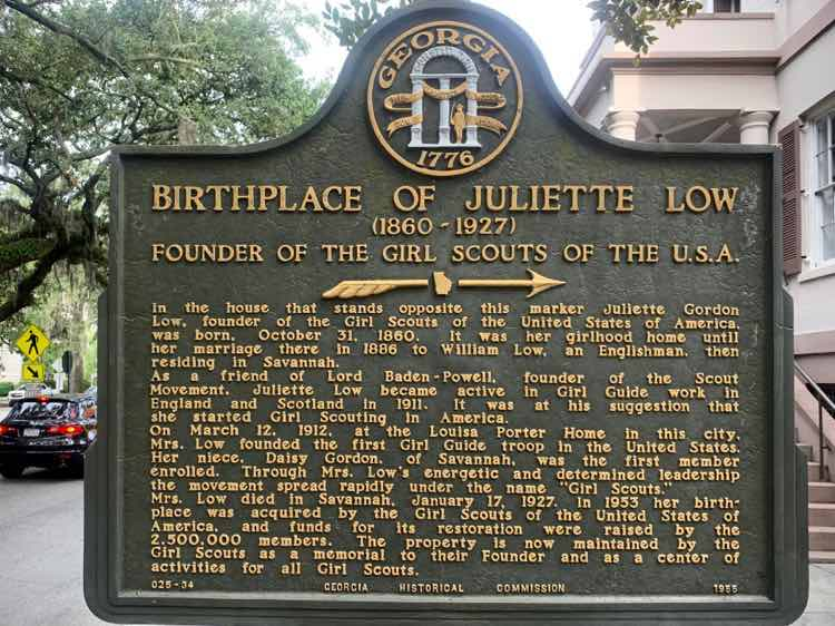 historic sign at Juliette Gordon Low house birthplace