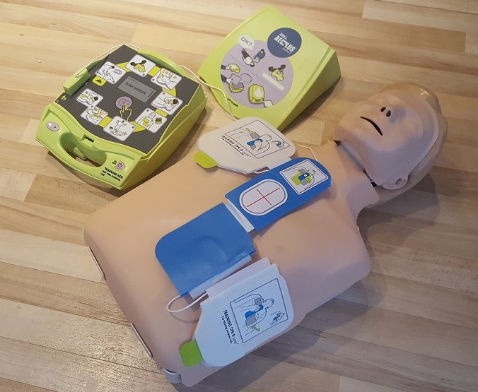 Correct defib pad placement