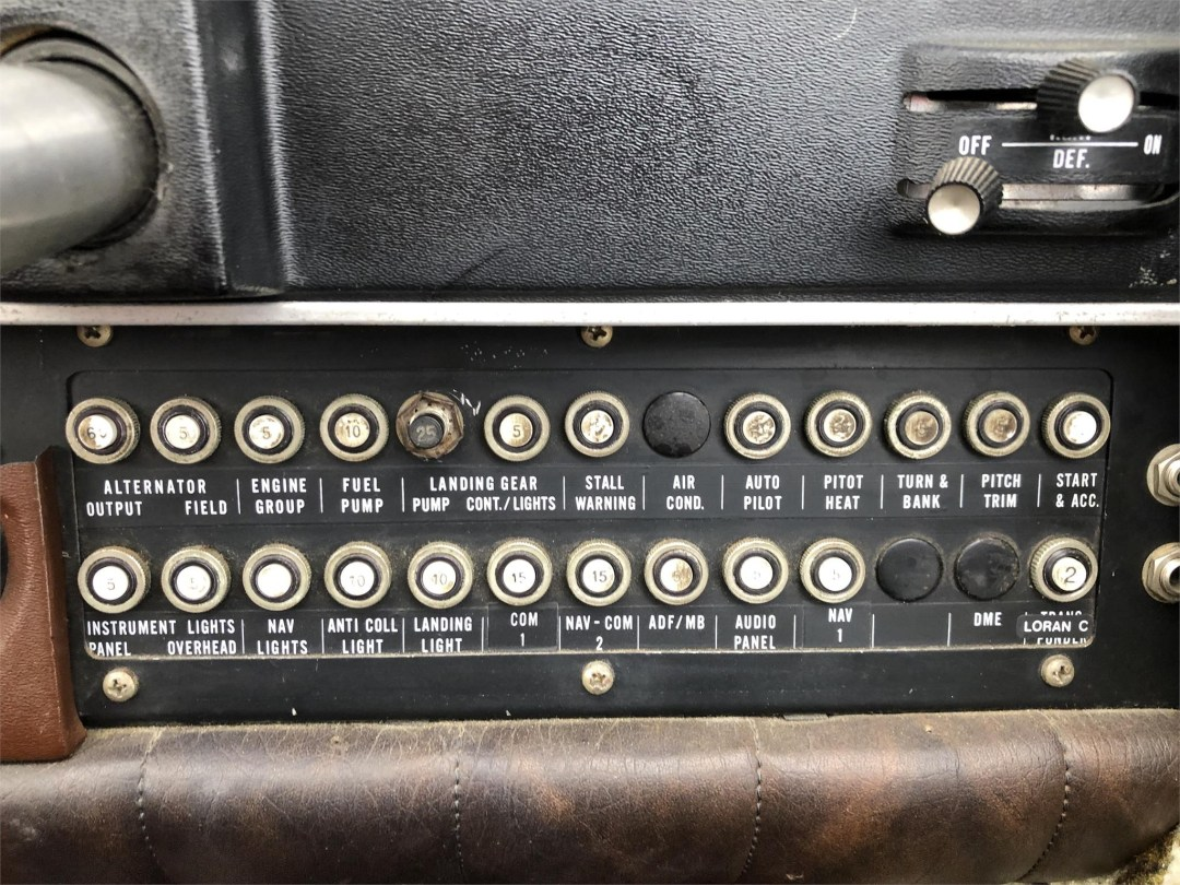 1973 PIPER ARROW II circuit breaker panel co-pilot