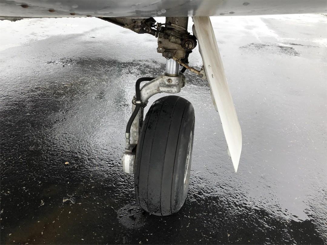 1973 PIPER ARROW II left wheel